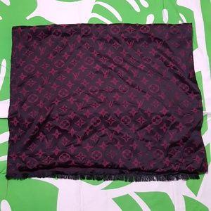 A gift fashion scarf.